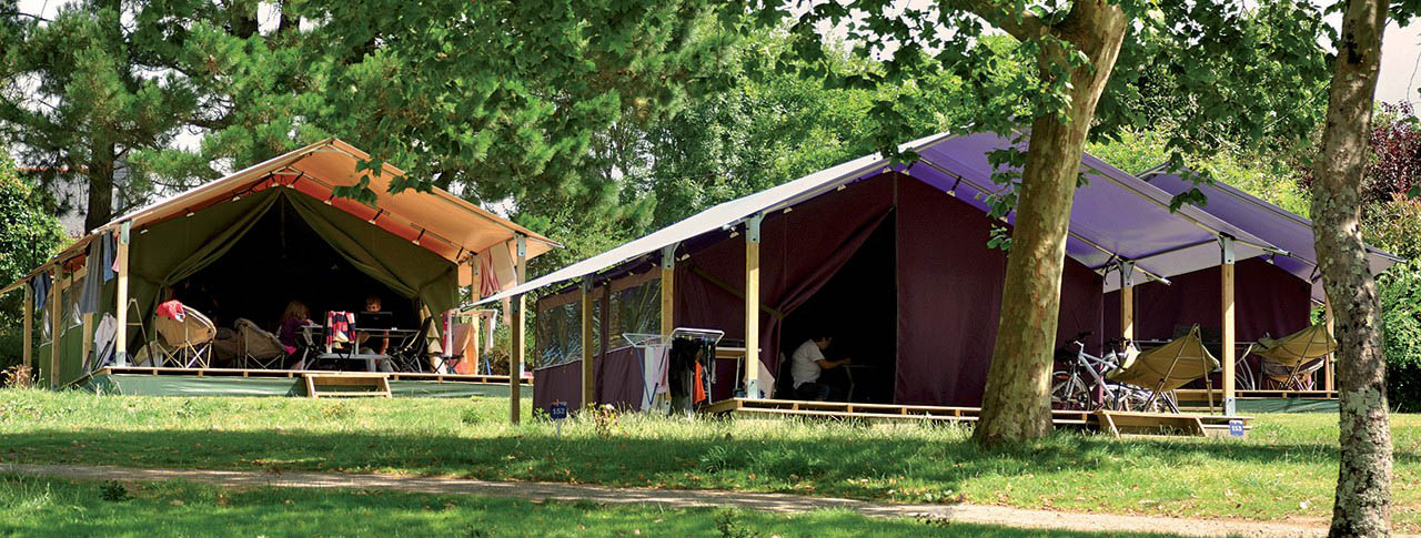 camping-en-habitat-toile-freeflower-pano.jpg