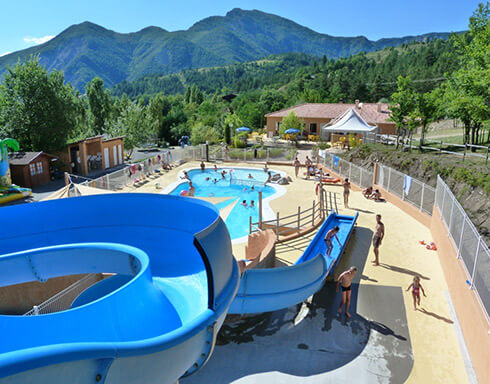 Campsite provence campsites near the luberon the for Camping haute pyrenees avec piscine