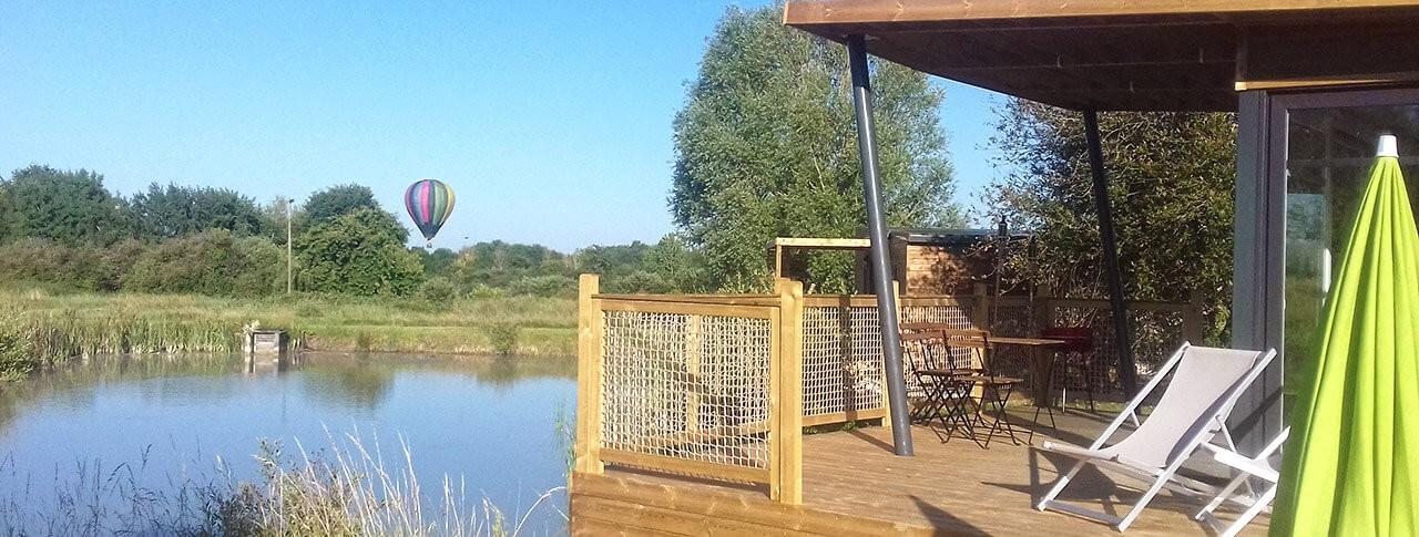 Les Lodges de Blois-Chambord cottage au bord de l'eau montgolfière