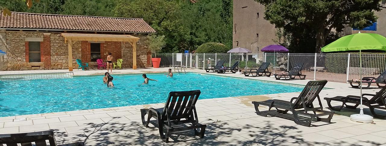 camping Les Gorges de l'Aveyron piscine extérieure
