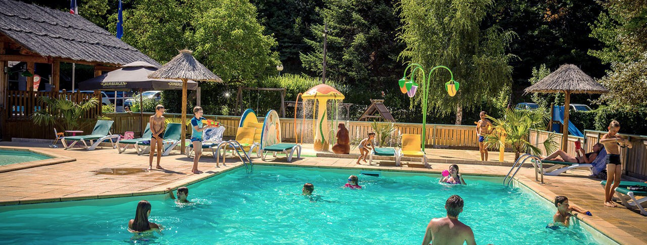 Camping le pont du tarn florac loz re languedoc for Construction piscine tarn