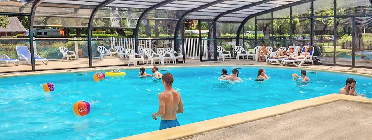 camping du Port Caroline piscine couverte chauffée