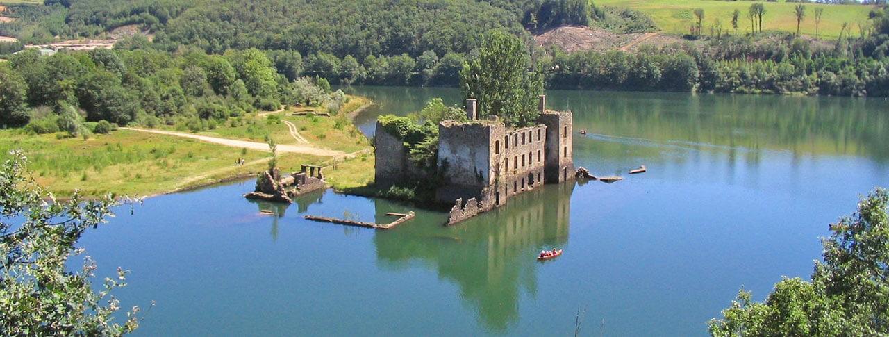 camping l'Entre-deux Lacs château de Grandval