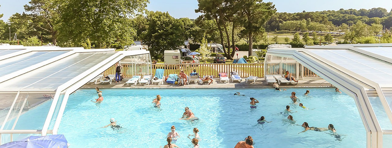 Camping conleau piscine couverte