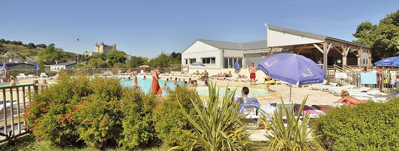 Camping l 39 le d 39 offard saumur maine et loire pays de for Spa piscine ile de france