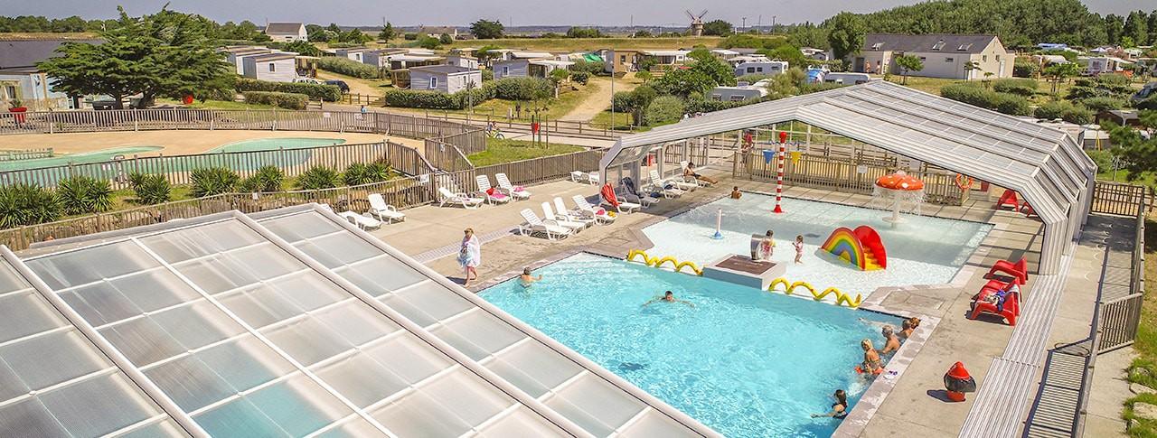 Camping Les Paludiers piscine couverte chauffée