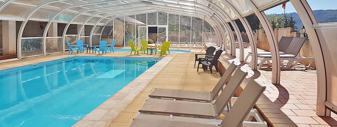 Camping Le Belvédère piscine couverte chauffée