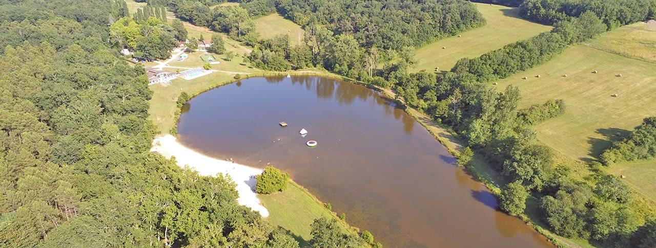 Camping Lac de Lislebonne vue du lac Réaup-Lisse