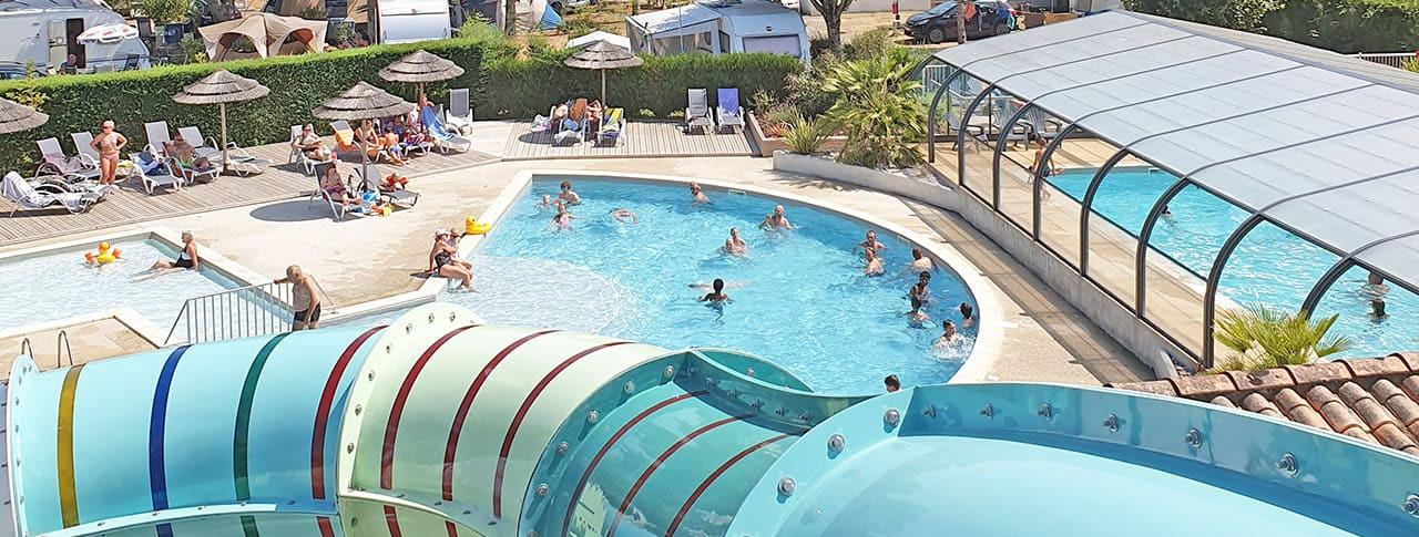 camping Le Nauzan Plage parc aquatique avec toboggans à Royan