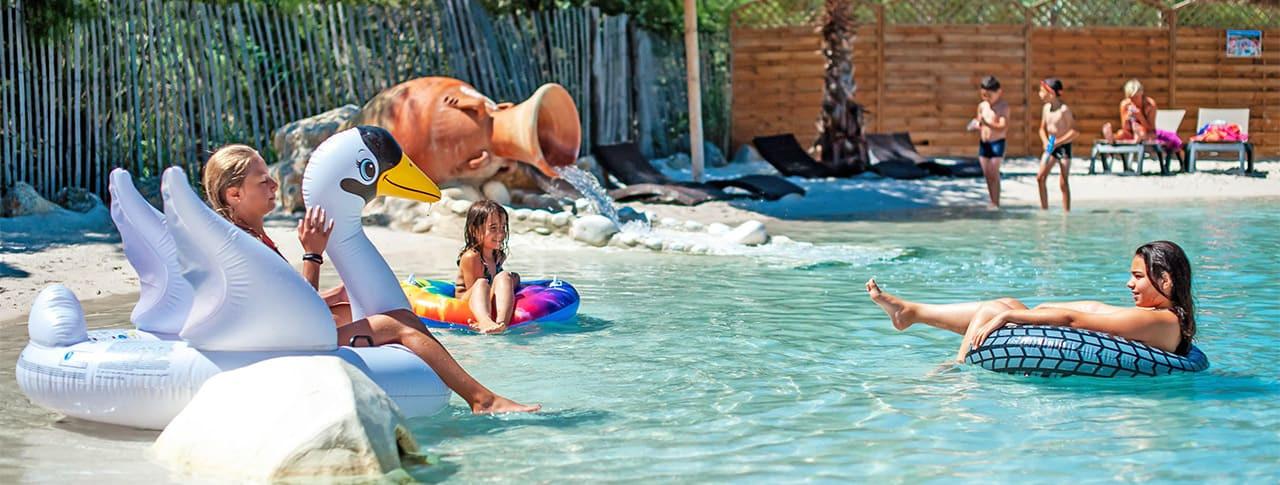 Camping Soleil d'Oc Narbonne-Plage lagon artificiel
