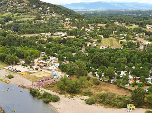 Camping Le Riviera - Auvergne-Rhône-Alpes