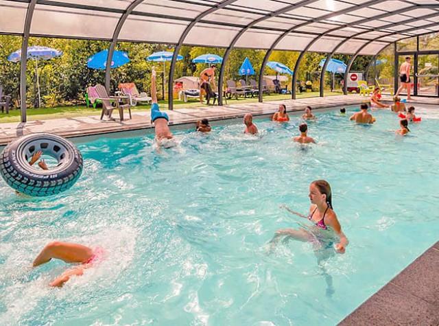 Camping La Sténiole piscine couverte chauffée-2