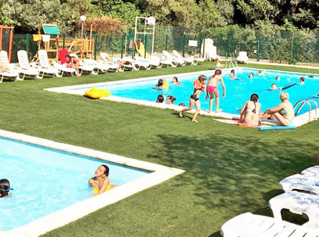 Camping les tomasses var piscine chauffee-1