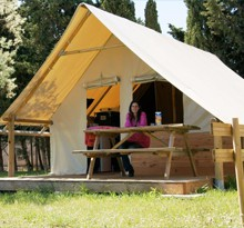 Canvas holidays in France: rent a permanent camping tent