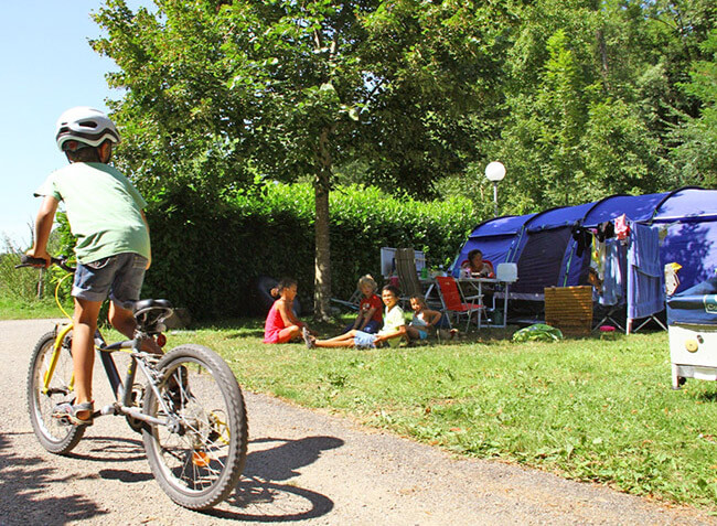 camping L'Arize emplacements tentes Ariège-5