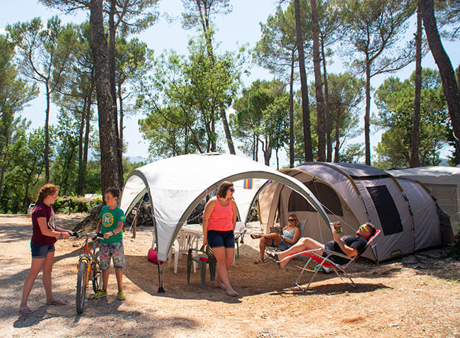 camping-le-provencal-emplacement.jpg-5