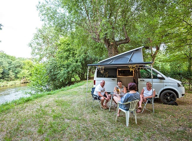camping-saint-michelet-emplacement-riviere.jpg-12