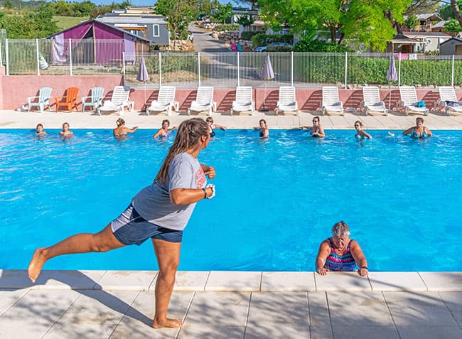 camping-provence-vallee-aquagym.jpg-15