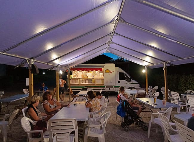 camping-provence-vallee-food-truck.jpg-19