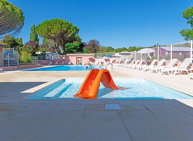 camping-provence-vallee-piscine-pataugeoire.jpg-1