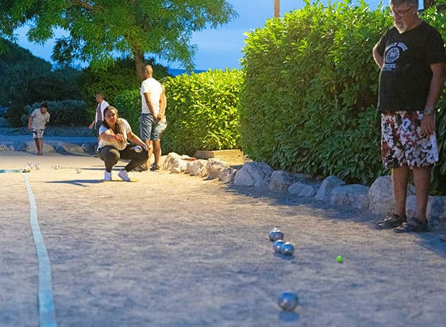 camping-provence-vallee-petanque-nocturne.jpg-21